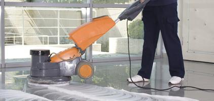 ¿Contratar un servicio de limpieza para tu comunidad?